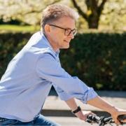 Frank Henning auf einem Fahrrad